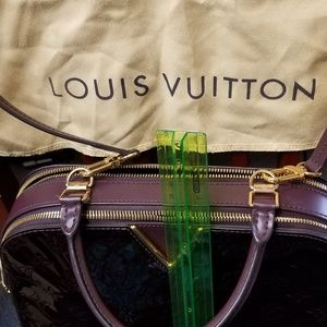 c3336ec04521 Women s Louis Vuitton Patent Leather Handbag on Poshmark